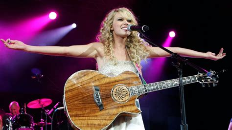 Taylor Swift Says She'll Re-Record Her Old Hits As An FU ...