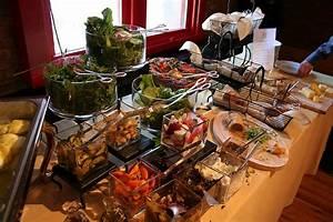 Brunch Buffet Ideen : brunch buffet by livingon112 via flickr party ideas ~ Lizthompson.info Haus und Dekorationen