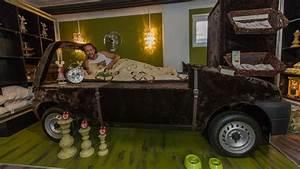 Möbel Aus Alten Fässern : schwabe baut m bel aus alten autos heilix blechle stuttgart ~ Sanjose-hotels-ca.com Haus und Dekorationen