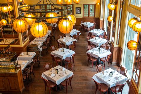 bourbon house new orleans bourbon house seafood and oyster bar new orleans