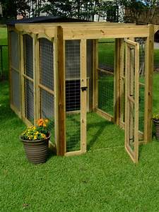How to build a dog run with attached doghouse how tos diy for Dog run outdoor kennel house