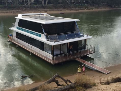 Echuca Houseboats by Infinity Brand New March 2016 Echuca Luxury Houseboats