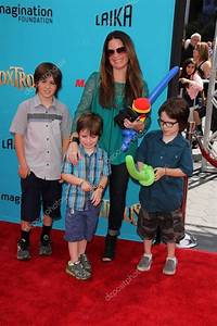 Holly Marie Combs with children – Stock Editorial Photo ...