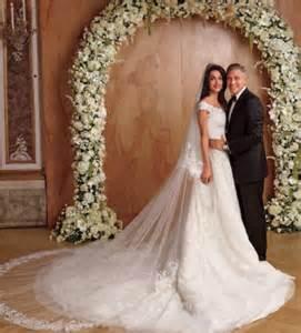 oscar de la renta wedding dress italian style amal alamuddin is an amazing chica george clooney is winning