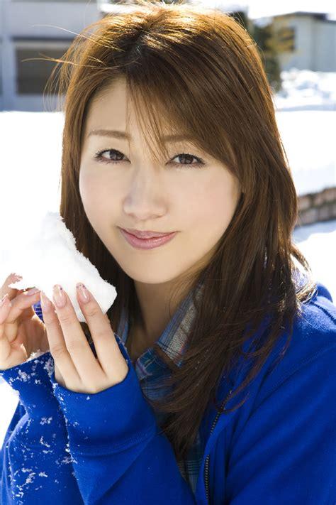 Beautiful Japanese Actresses Megumi Yasu & Yukie Kawamura ...