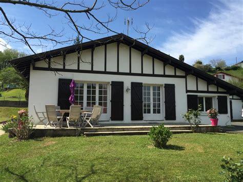cuisine style americain maison basque 8 couchages clim jardin proche lac océan à