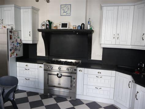 cuisine cottage cuisine equipée chêne blanc cuisines liebart
