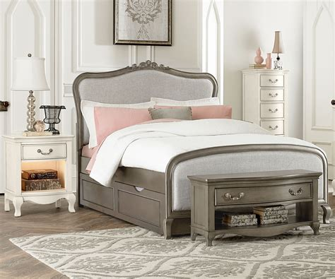 Kensington Silver Finish Katherine Full Size Bed With