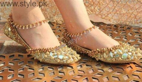 latest pakistani khussa designs   eid