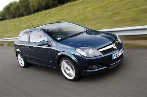 vauxhall astra 2005 vauxhall astra h sporthatch 2005 car review honest john