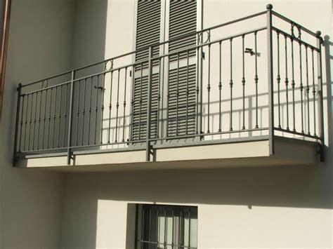 ringhiera in ferro prezzi ringhiere balconi per esterni va68 187 regardsdefemmes