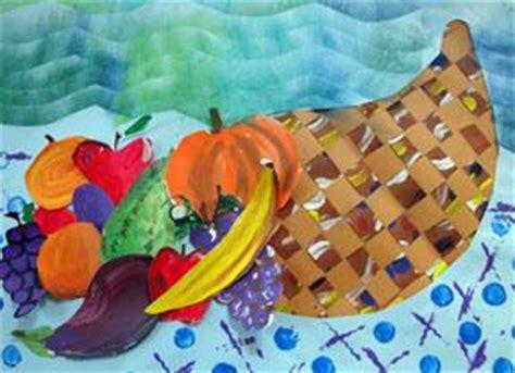 thanksgiving cornucopia lesson plan for favecrafts 438 | Woven Cornucopia
