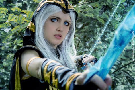 ashe league  legends cosplay art  lol