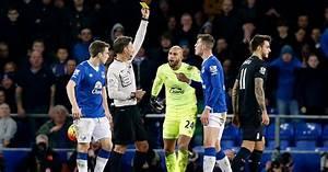 Everton FC boss Martinez blasts Clattenburg for penalty ...