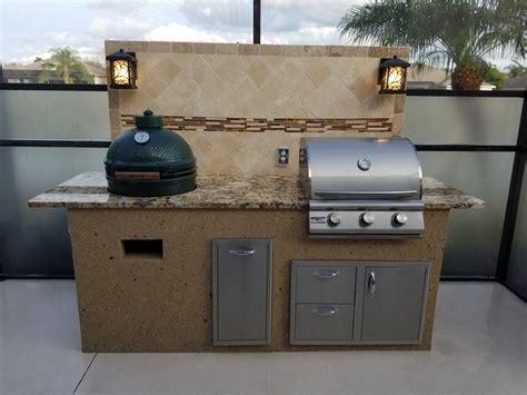 Outdoor Kitchen Backsplash Ideas - creative outdoor kitchens big green egg creative outdoor kitchens