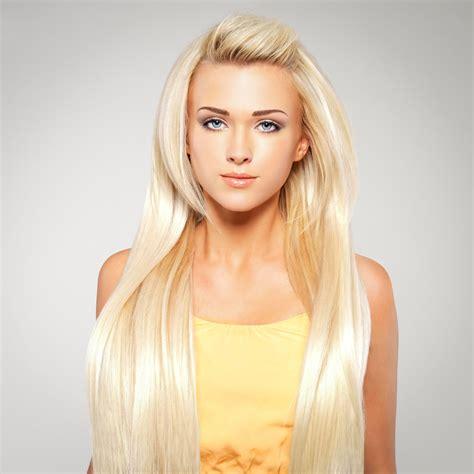 sehr lange blonde haare schoene frisuren fuer lange haare