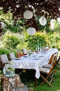 deko fur die gartenparty mit lampions im sommer garten With französischer balkon mit laternen für kerzen garten