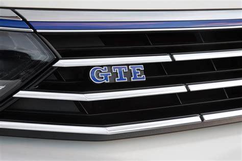 New Volkswagen Passat GTE 2016 UK review - pictures | Auto ...