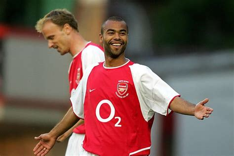 Ashley Cole snubbed Arsenal 'Invincibles' documentary ...