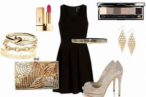 Christmas Dresses: One Little Black Dress, Three Holiday Outfits