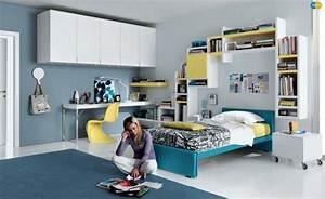 Regale Jugendzimmer : ideen jugendzimmer m dchen blau gelb wei regale ber bett ~ Pilothousefishingboats.com Haus und Dekorationen
