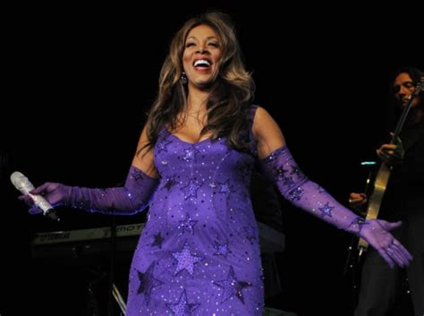 donna summer funeral singer laid  rest  tennessee