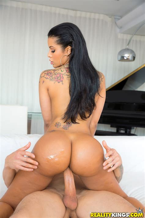 Sexy Latina With Huge Ass Mary Jean Getting Fucked 1 Of 1
