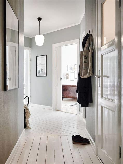 duo scandinave idee deco entree maison plancher blanc