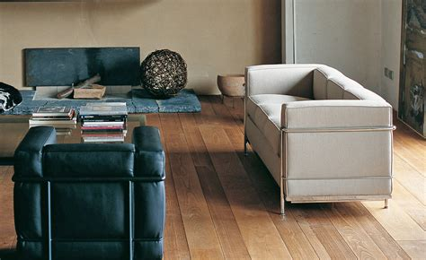 le corbusier lc  seat sofa hivemoderncom