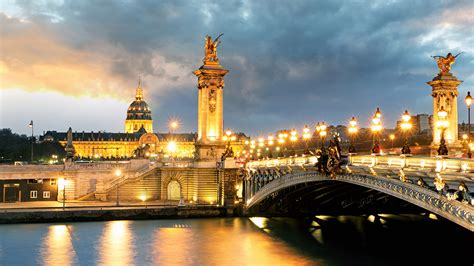 Paris Day Tour, a luxury day trip to Paris with Electa Travels