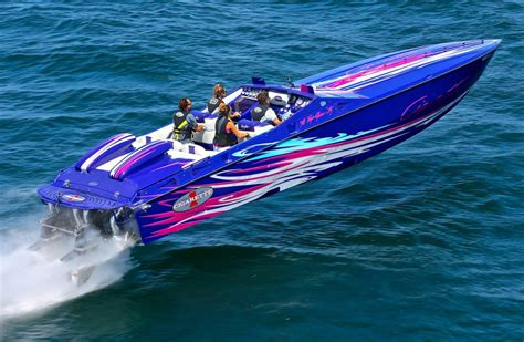 fast boats go boating boat fastest events run poker running lake water racing yacht baddest powerboat powerboats engines boyne performance
