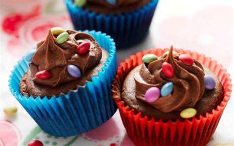 smarties cupcakes recipe goodtoknow