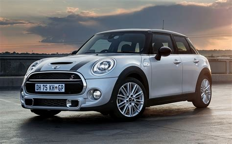 Mini Cooper 5 Door Backgrounds by Mini Cooper S 5 Door 2014 Za Wallpapers And Hd Images