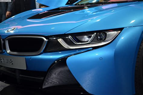 Drive the BMW i8 with Sixt! See how fast a electric car ...
