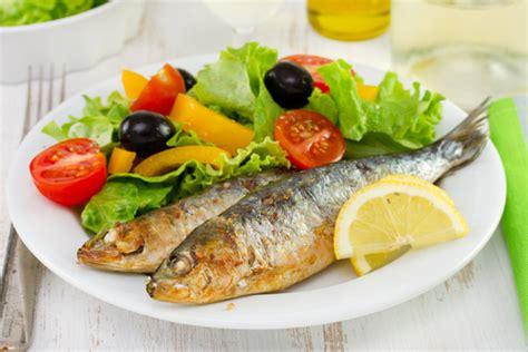 cuisiner les sardines astuces cuisine comment préparer et cuisiner la sardine