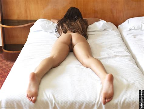 Naked Girl Laying On Stomach Hot Girls Wallpaper