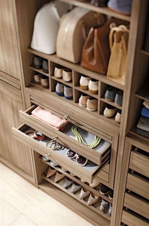 cool  smart ideas  organize  closet digsdigs