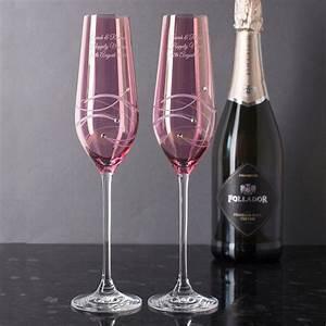 Flute A Champagne : engraved pink swarovski elements diamant champagne flutes ~ Teatrodelosmanantiales.com Idées de Décoration