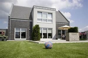 Fertighaus Mit Klinkerfassade : einfamilienhaus ma geschneidert energieeffizient boxberg ein fertighaus von gussek haus ~ Markanthonyermac.com Haus und Dekorationen