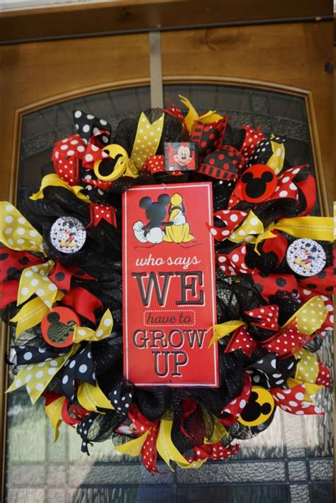 best 25 mickey mouse ideas on mickey mouse ornaments mickey mouse wreath