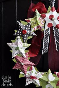 last minute christmas decorations} 3D paper star wreath