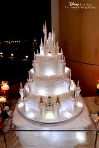 jeux de gateaux de mariage de superbes gâteaux de mariage qui raviront le grand enfant qui est en vous buzzly