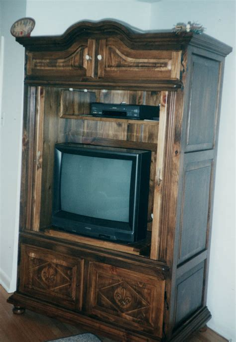 Traditional Wood Storage Cabinets With Doors For Tv