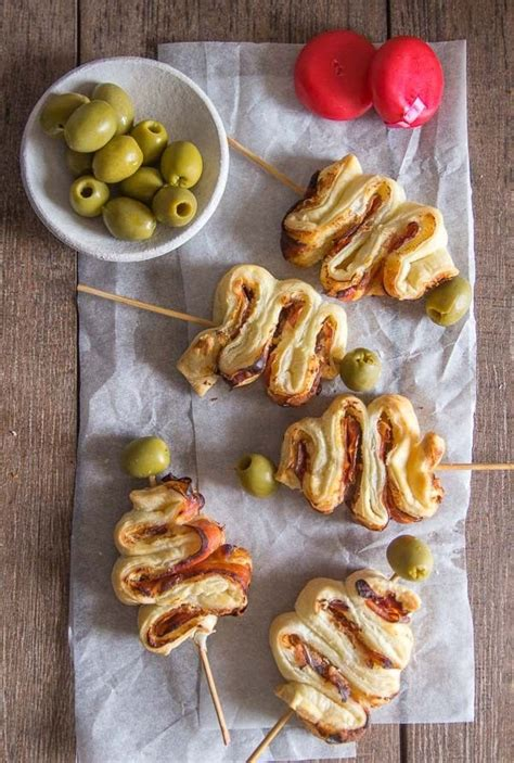Here are 50 easy christmas appetizer recipes, from festive olive christmas trees and baked brie appetizers, to cheese boards, caprese wreaths and dips. The 21 Best Ideas for Cold Christmas Appetizers - Most ...
