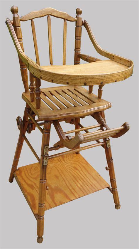 ancienne chaise haute en bois ancienne chaise haute pour bébé en chataignier qui se