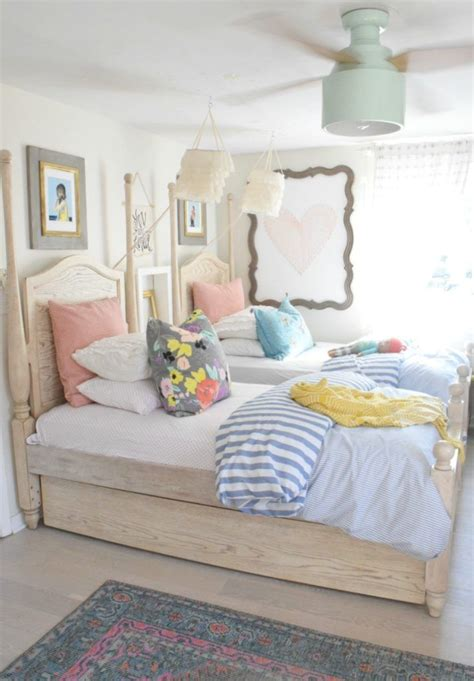 Bedroom Ideas by 25 Best Ideas About Summer Bedroom On White