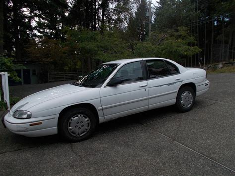 Chevrolet Lumina 98 Color White Malahat (including