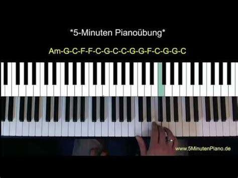 Le format pdf est un format de document électronique conçu par adobe systems, qui utilise certains traits de langage postscript. 5-Minuten-Klavier-Übung - YouTube   Piano in 2019 ...