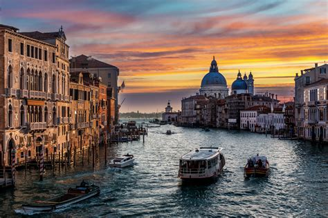 grand canapé postcard from venice traffic the grand canal the