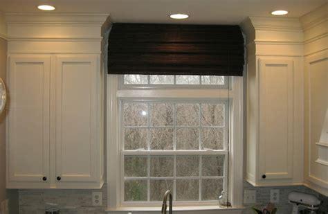 remodelando la casa adding moldings   kitchen cabinets
